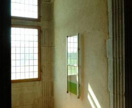 """Vue de l'exposition """"Points de fuite : perspectives de et dans l'art moderne et contemporain"""" du MAMC+ au Château de la Bâtie d'Urfé, 2010  Collection MAMC+ © ADAGP, Paris 2019"""